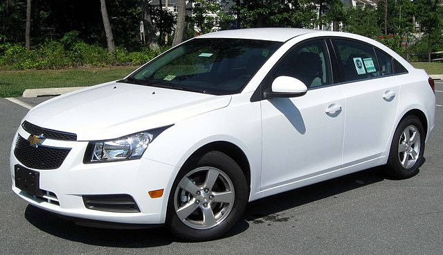 White Cheverolet Cruze Sedan 2012