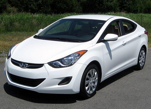 White 2012 Hyundai Elantra