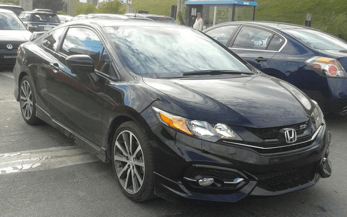 Black Honda Civic Coupe SI