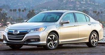 2014_Honda_Accord_Plug-In_Hybrid_Sedan_trimmed