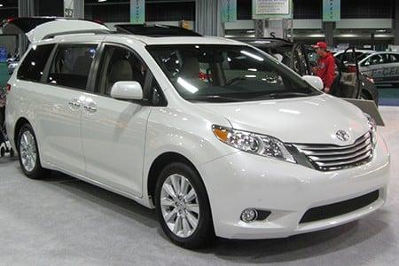 Toyota_Sienna