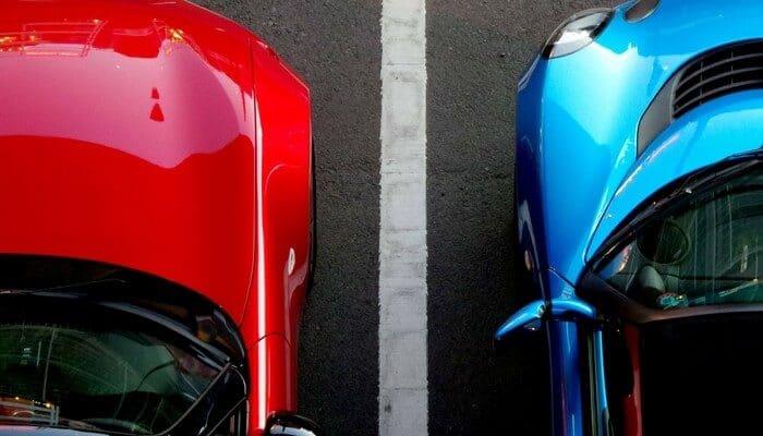 Red vs Blue car