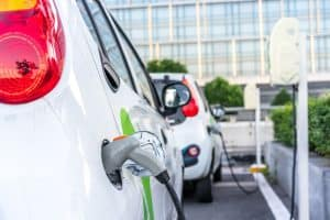 Pros and Cons of Electric Cars: Is It Time to Make the Switch?