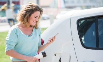 How Does the Electric Car Tax Credit Work?
