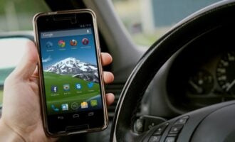 Study: Phone Addiction and Distracted Driving